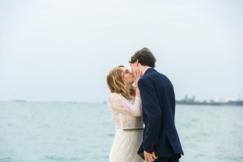 allyssa-dannie-city-hall-elopement-wedding-chicago-1X8A4064