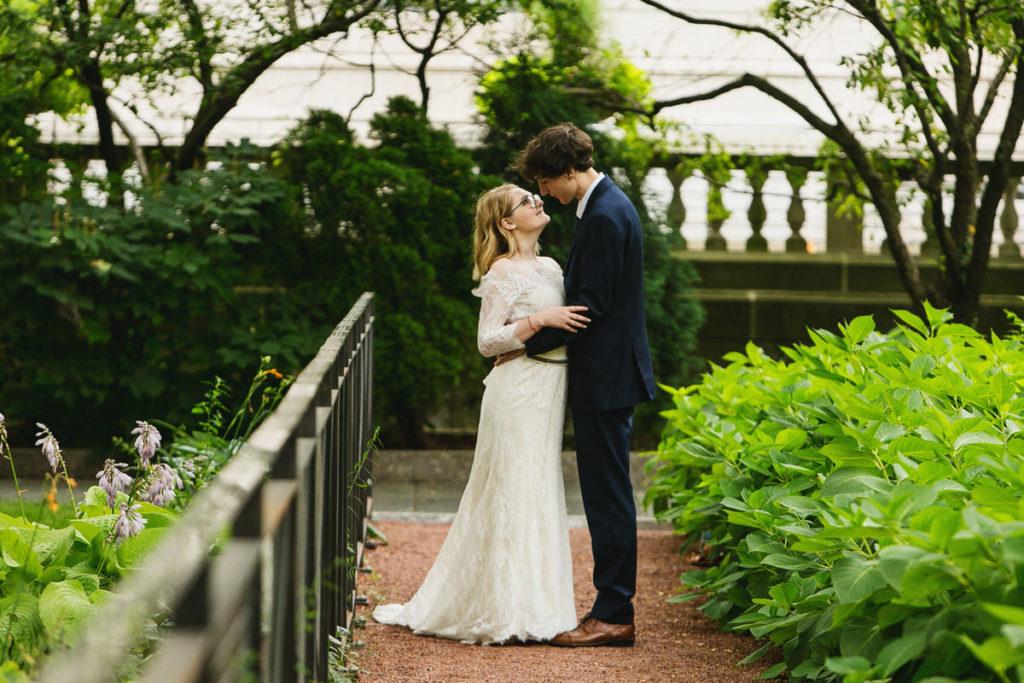 allyssa-dannie-city-hall-elopement-wedding-chicago-1X8A4386
