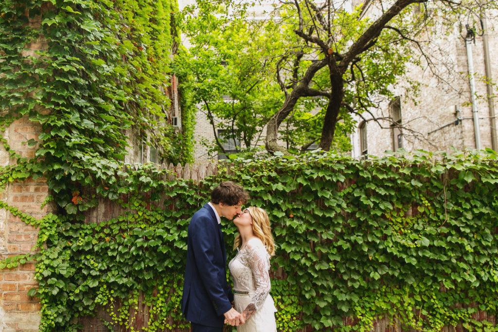 allyssa-dannie-city-hall-elopement-wedding-chicago-74A4324