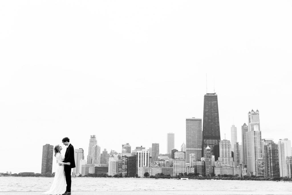 allyssa-dannie-city-hall-elopement-wedding-chicago-74A4465