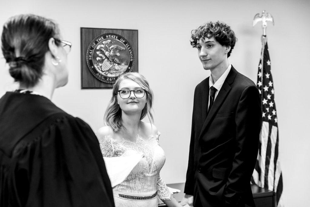 allyssa-dannie-city-hall-elopement-wedding-chicago-74A4608
