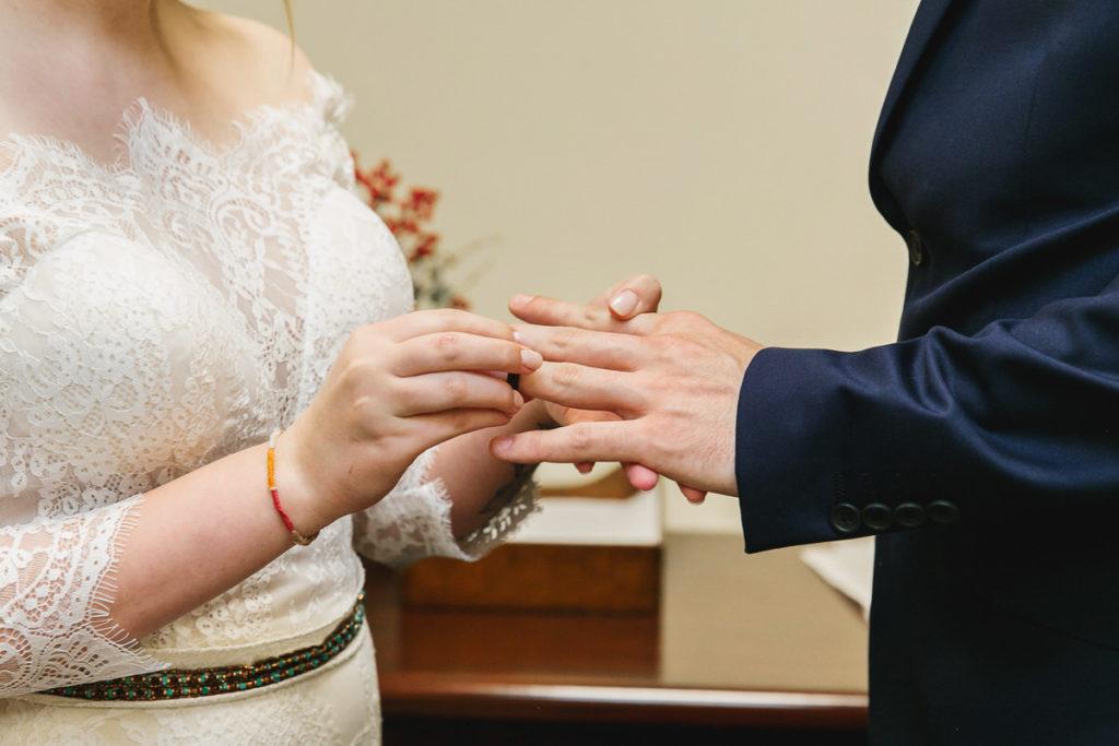 allyssa-dannie-city-hall-elopement-wedding-chicago-74A4649