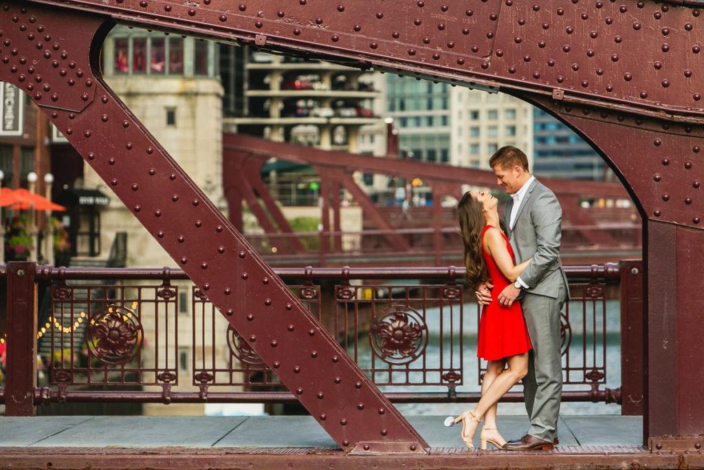 summer-engagement-river-walk-adler-planetarium-chicago-1X8A8728