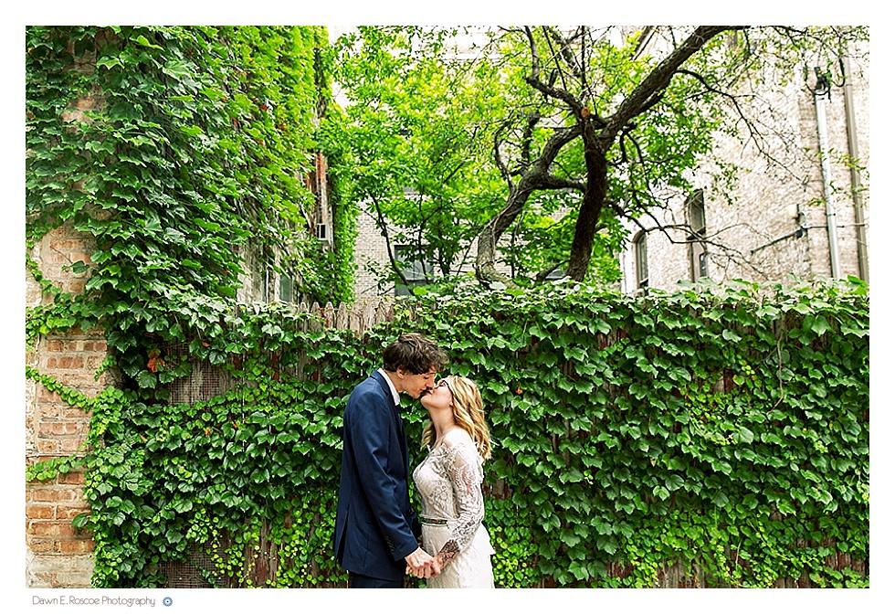 dawn-e-roscoe-photography-allyssa-danny-chicago-city-hall-elopement-01213