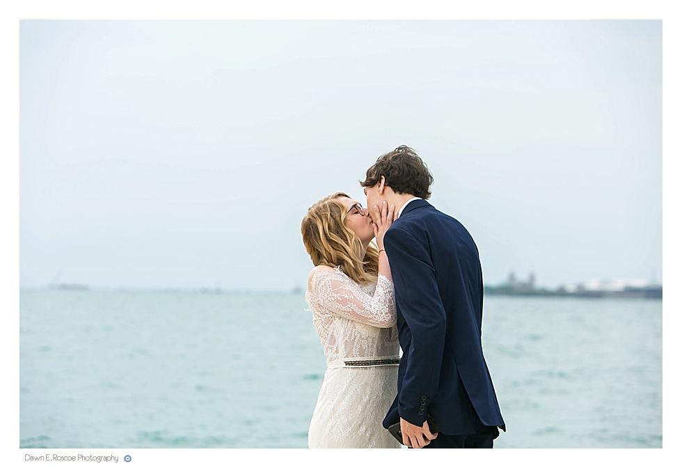 dawn-e-roscoe-photography-allyssa-danny-chicago-city-hall-elopement-01242