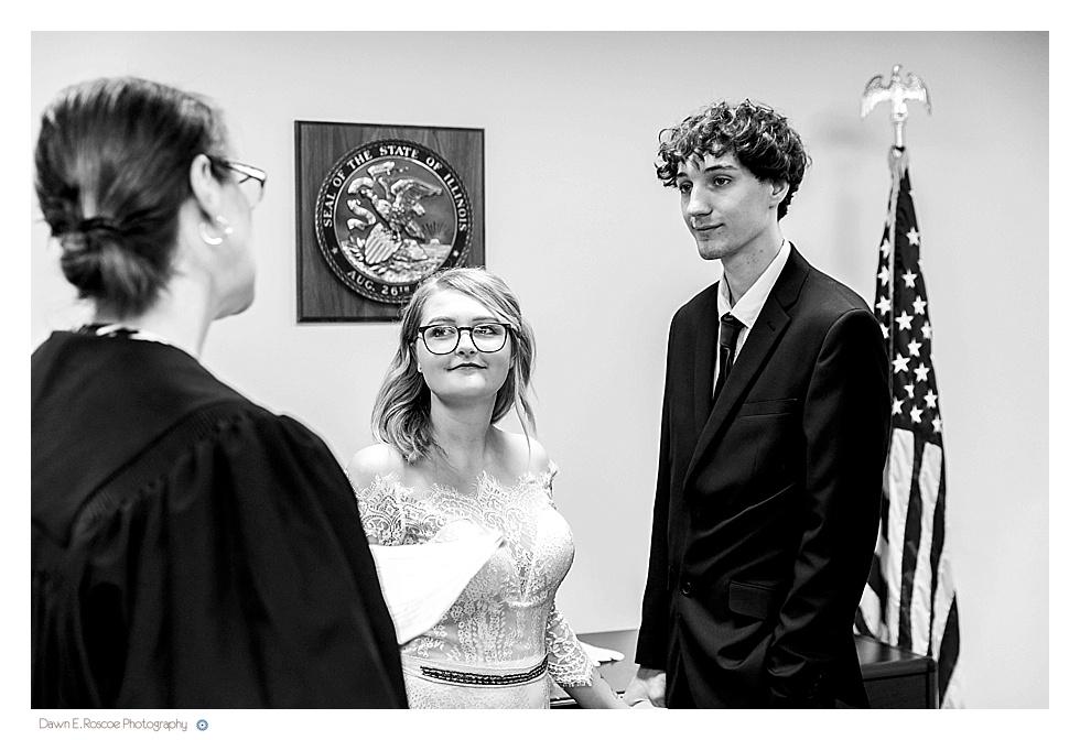 dawn-e-roscoe-photography-allyssa-danny-chicago-city-hall-elopement-01292