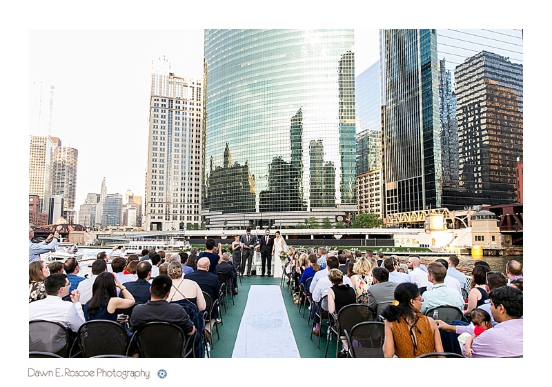 dawn-e-roscoe-photography-chicago-classic-lady-boat-wedding-00183