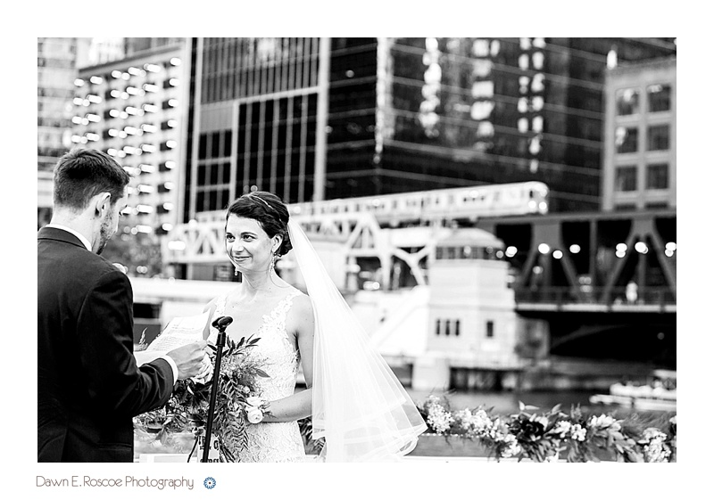 dawn-e-roscoe-photography-chicago-classic-lady-boat-wedding-00203