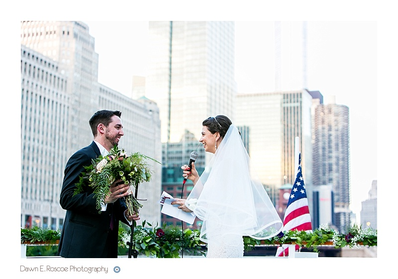 dawn-e-roscoe-photography-chicago-classic-lady-boat-wedding-00213
