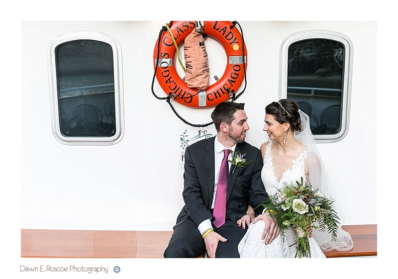 dawn-e-roscoe-photography-chicago-classic-lady-boat-wedding-00263
