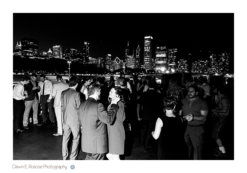 dawn-e-roscoe-photography-chicago-classic-lady-boat-wedding-00333