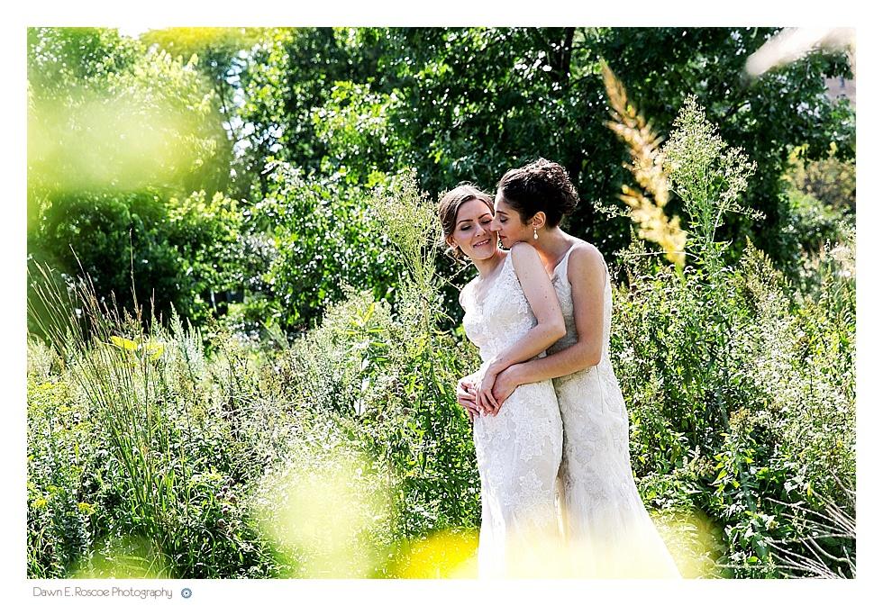 dawn e roscoe photography same sex wedding lincoln park nature walk chicago