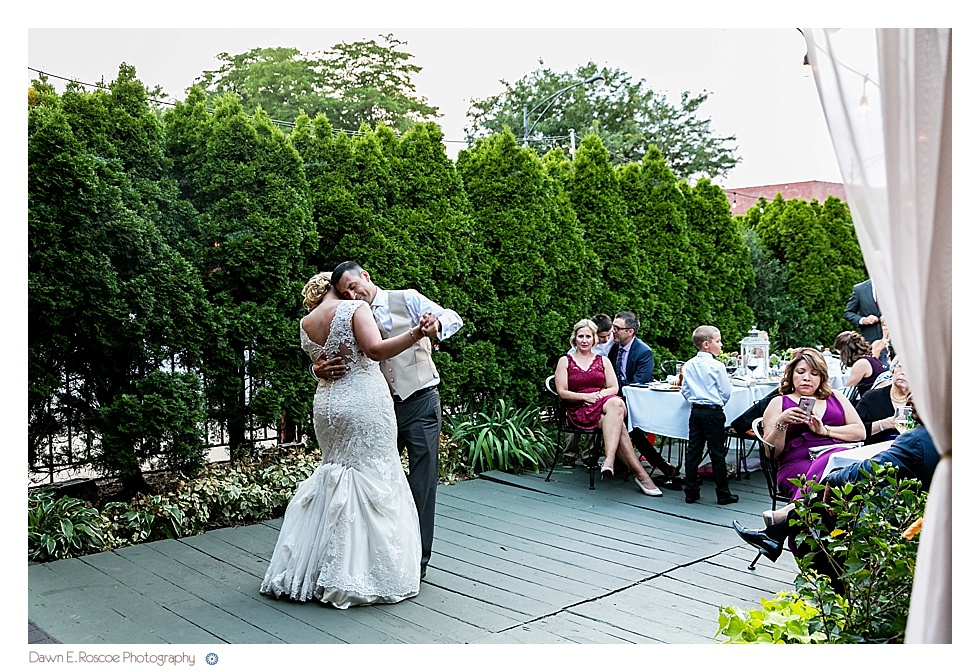 dawn-e-roscoe-photography-summery-outdoor-chicago-wedding-02952